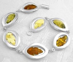 Amberjewelry_seven_leaves_amber_bracelet