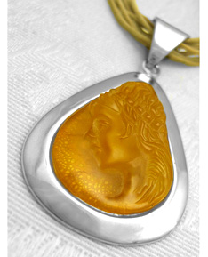 Helen_amber_cameo_jewelry_one_of_a_kind_1